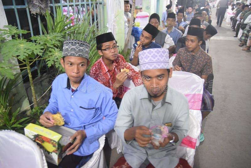 O chefe da polícia de Tito Karnavian visitou o Pondok Pesantren Raudlatut Thalibin Rembang fotos de stock