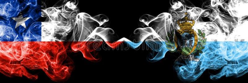 O Chile contra São Marino, bandeiras místicos fumarentos de Sammarinese colocadas de lado a lado Grosso colorido de seda fuma a c imagem de stock royalty free