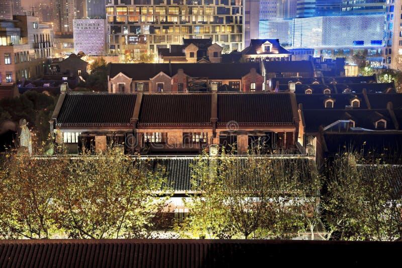 O chinês velho abriga Xintiandi Shanghai China imagem de stock