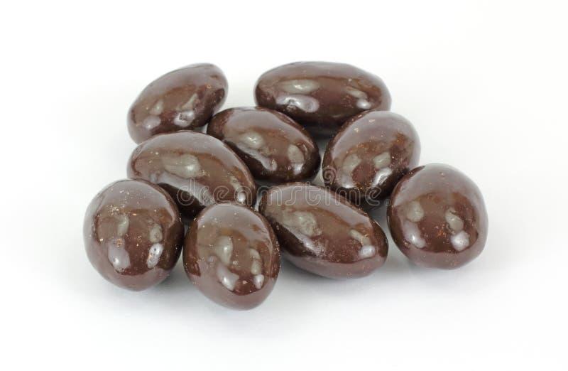 O chocolate cobriu amêndoas fotos de stock
