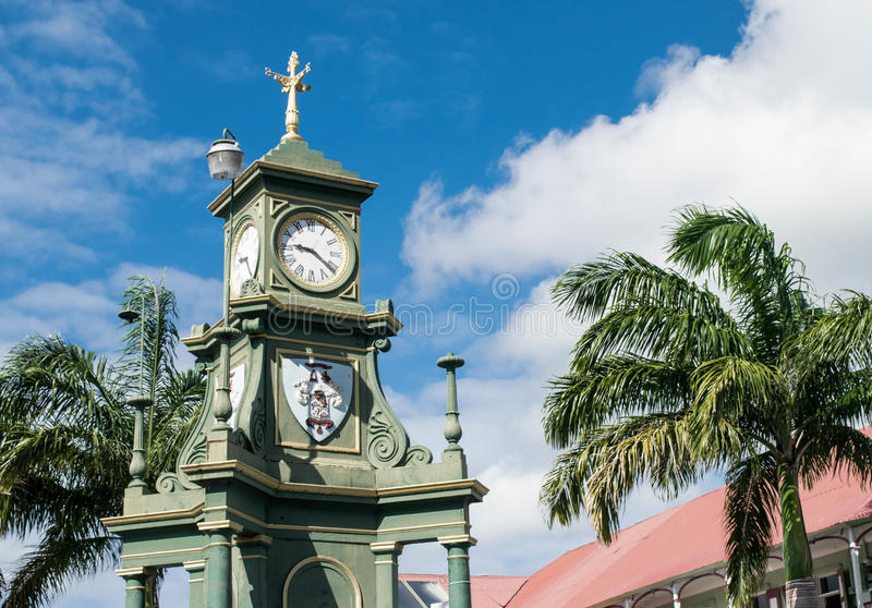O circo e a torre Basseterre de Berkeley Memorial Clock, St Kitts fotos de stock