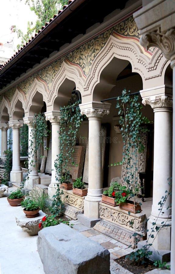 O claustro no monastério de Stavropoleos de Buch fotos de stock royalty free