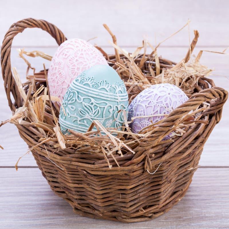 O colorfull bonito da decoração do ovo da páscoa eggs a cor pastel sazonal imagens de stock royalty free
