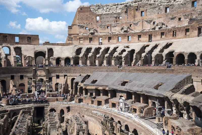 O Colosseum é a imagem a mais icónica de Roma e amado por milhões de visitantes à cidade eterno de Roma Itália imagens de stock royalty free
