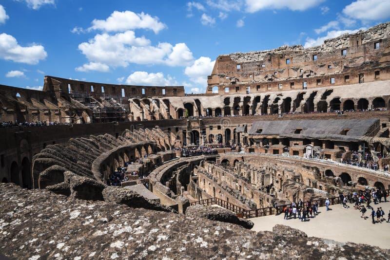 O Colosseum é a imagem a mais icónica de Roma e amado por milhões de visitantes à cidade eterno de Roma Itália imagem de stock royalty free