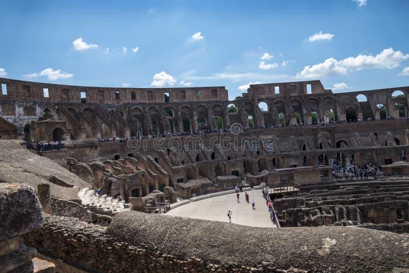 O Colosseum é a imagem a mais icónica de Roma e amado por milhões de visitantes à cidade eterno de Roma Itália fotos de stock royalty free