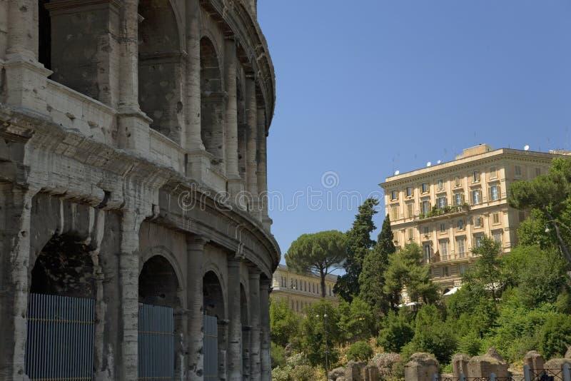 O Colosseum ou o Roman Coliseum, originalmente Flavian Amphitheatre, um anfiteatro elíptico no centro da cidade de Roma fotografia de stock royalty free