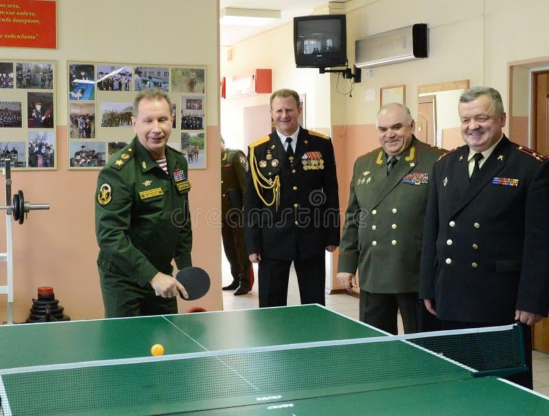 O comandante-chefe das tropas internas do ministério dos assuntos internos de Rússia, general do exército Viktor Zolotov, p imagens de stock royalty free