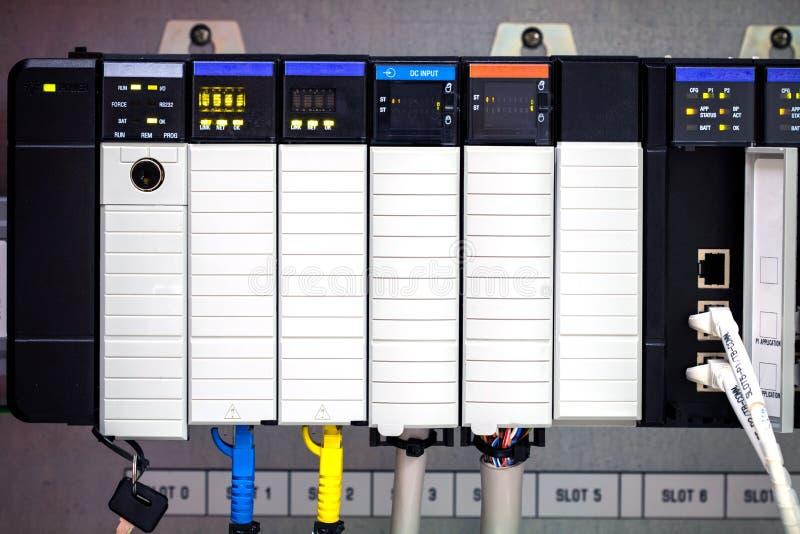 O computador do PLC foto de stock