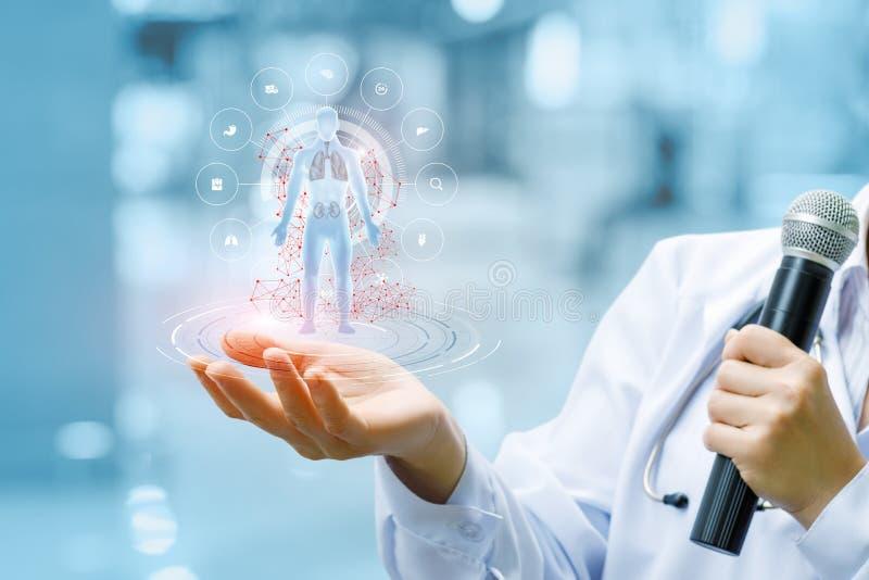 O conceito é o desenvolvimento e as novas tecnologias de morden a medicina imagem de stock royalty free