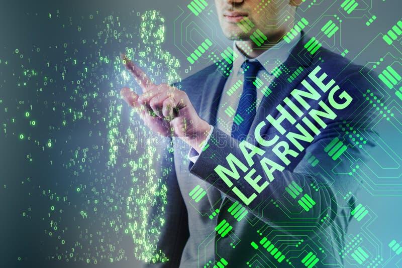 O conceito da aprendizagem de máquina como a tecnologia moderna fotografia de stock