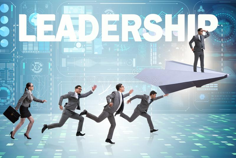 O conceito da lideran?a com v?rios executivos imagem de stock royalty free