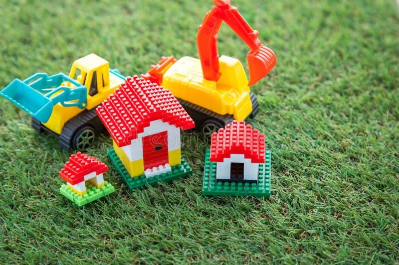 O conceito da melhoria home com ferramentas e a casa modelam jpg foto de stock