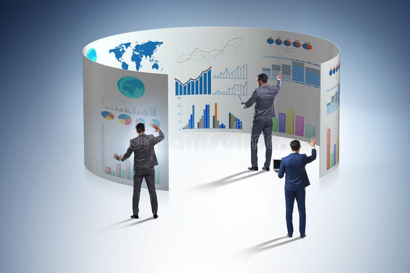 O conceito de cartas de negócio e de visualisation da finança fotos de stock royalty free