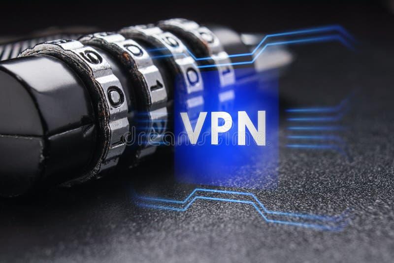 O conceito de uma conexão segura usando a tecnologia de VPN fotografia de stock