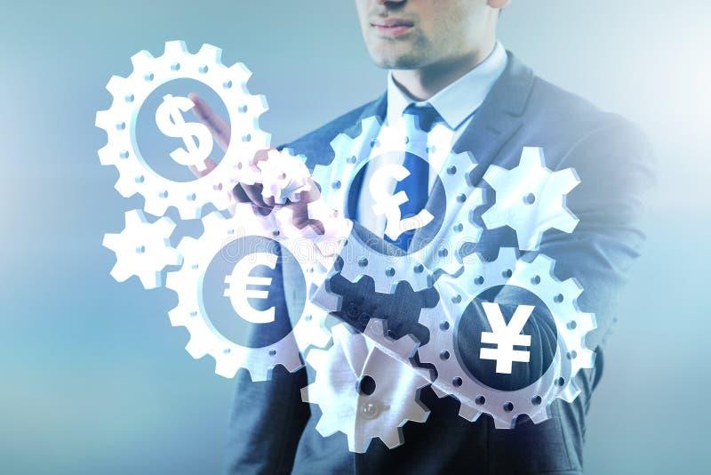 O conceito de várias moedas principais fotos de stock royalty free