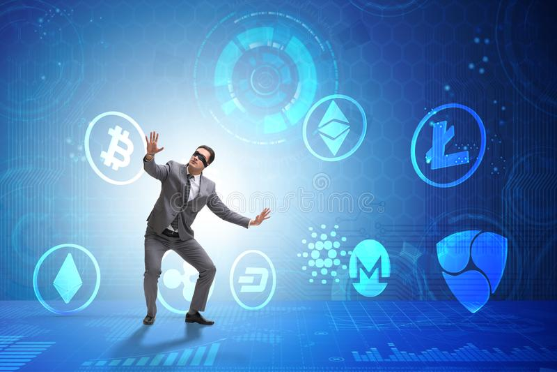 O conceito de vários cryptocurrencies e homem de negócios imagens de stock royalty free