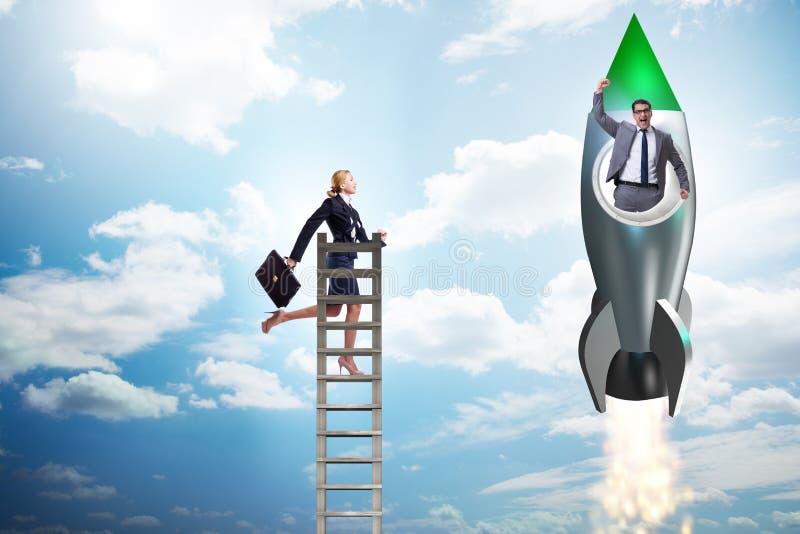 O conceito desigual das oportunidades da carreira para homens e mulheres imagem de stock royalty free