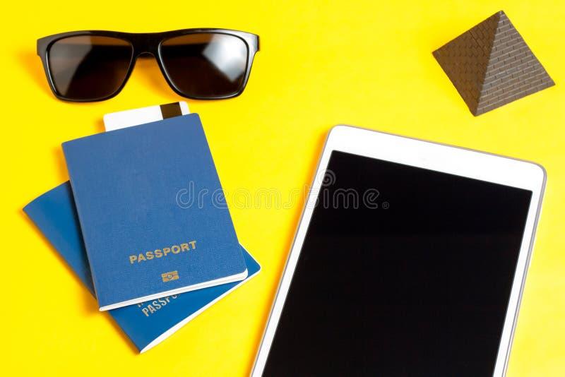 O conceito do lazer e do turismo imagens de stock