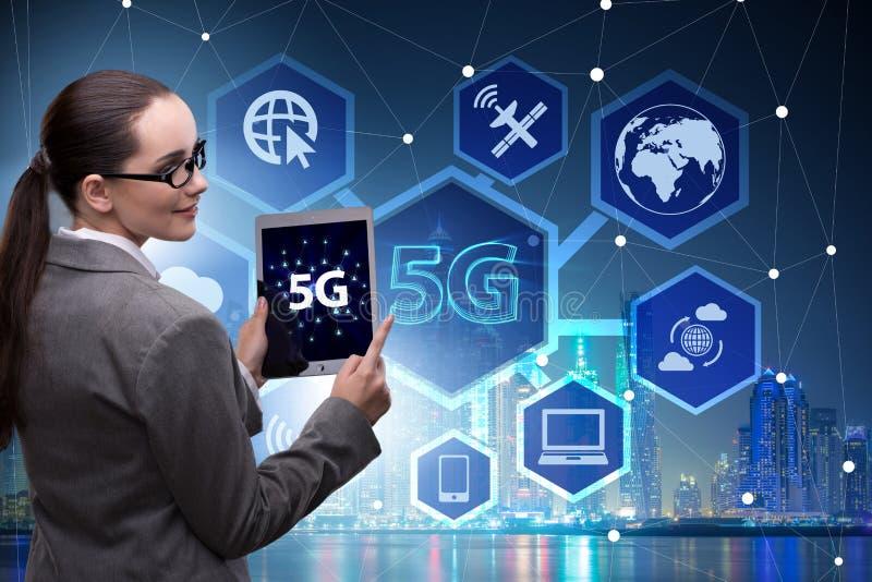 O conceito 5g da tecnologia da conex?o a Internet fotos de stock royalty free