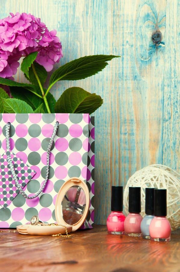 O conceito para meninas compõe o fundo de madeira abstrato foto de stock royalty free