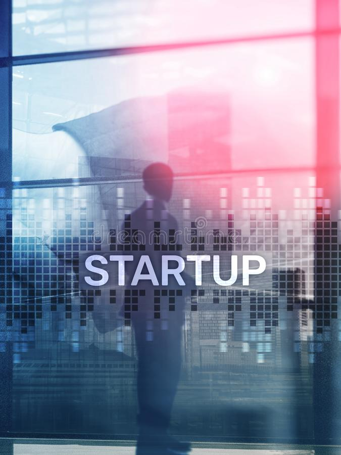 O conceito Startup com exposição dobro diagrams o fundo borrado Formato vertical do projeto abstrato da tampa imagem de stock royalty free
