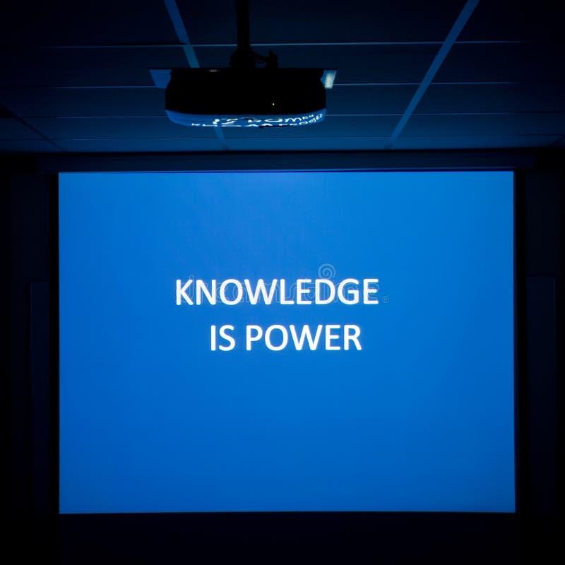 O conhecimento é potência fotografia de stock