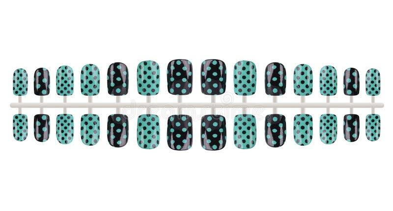 O conjunto completo de pregos falsificados pretos e verdes pintados com os pontos, isolados no fundo branco, trajeto de grampeame imagens de stock royalty free