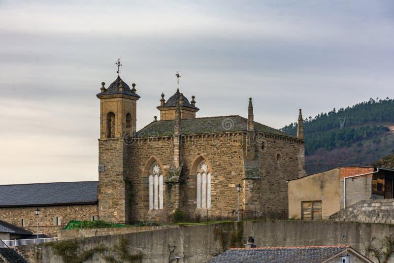 O convento de San Francisco de AsÃs é ficado situado em Villafranca del Bierzo Leon, Espanha fotos de stock