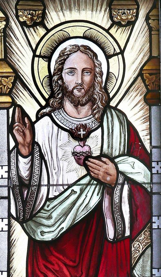 O coração sagrado de Jesus no vitral fotos de stock