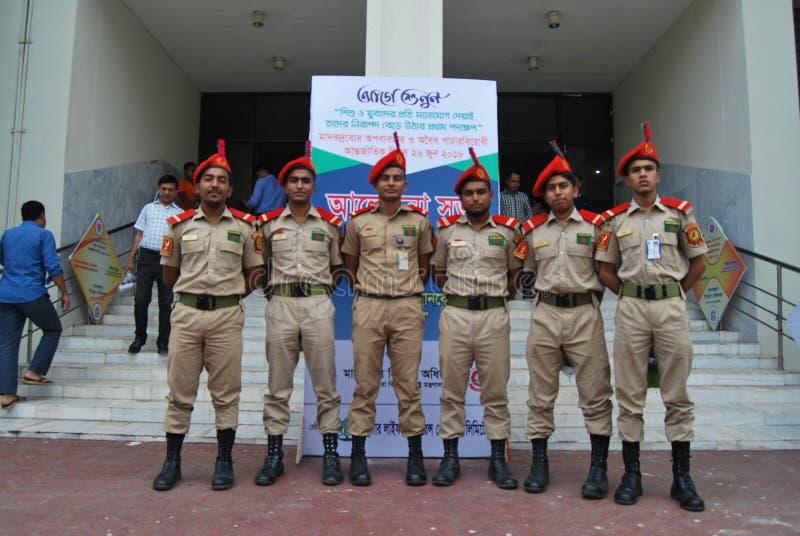 O corpo nacional BNCC do cadete de Bangladesh é uma organização dos tri serviços que compreende o exército, a marinha e a força a fotografia de stock royalty free