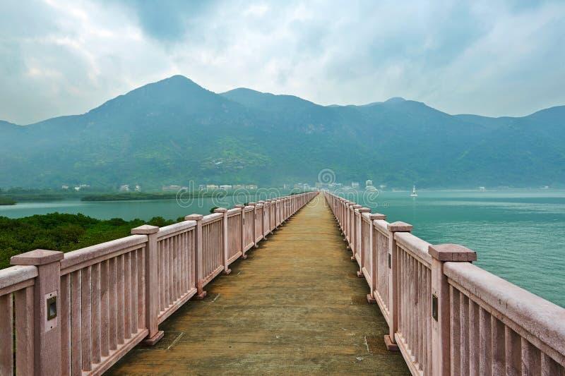O corredor longo no mar fotos de stock