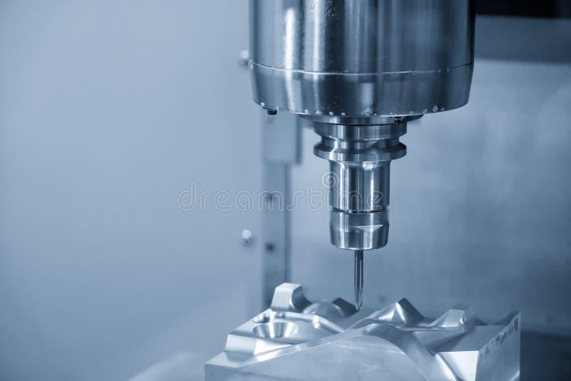 O corte de máquina da trituração do CNC a peça automotivo do molde fotos de stock royalty free