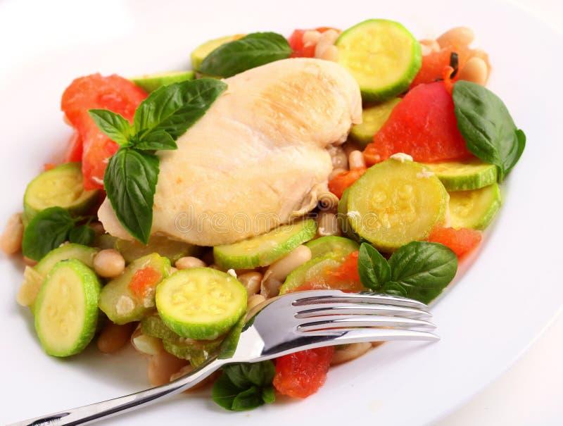 O courgette do zucchini da galinha coze foto de stock