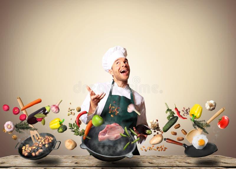 O cozinheiro chefe está cozinhando imagem de stock