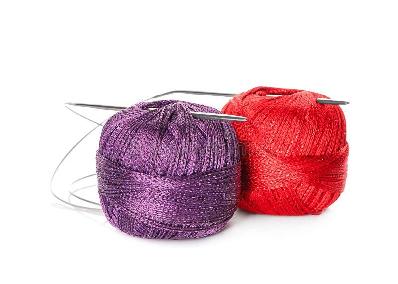 O crochê da cor clews no fundo branco imagem de stock royalty free