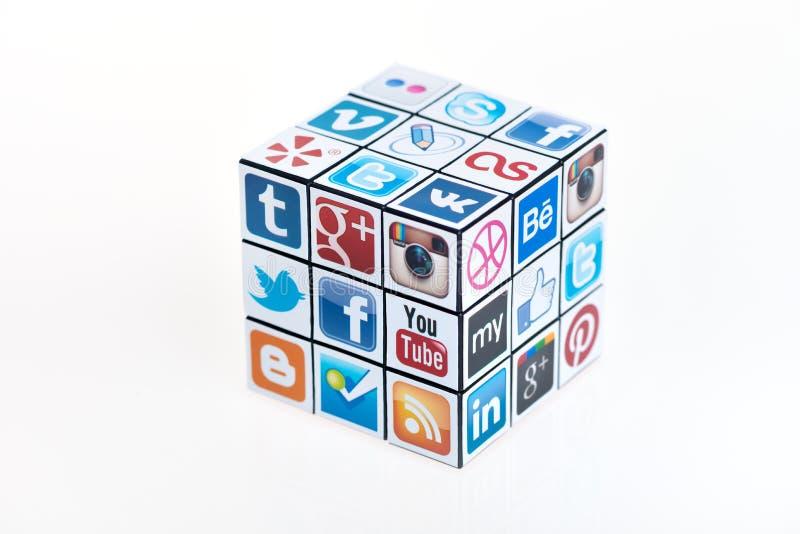 O cubo de Rubick social dos media fotografia de stock