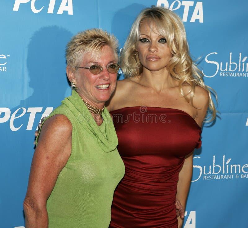 40.o cumpleaños de Pamela Anderson Celebrates imagenes de archivo