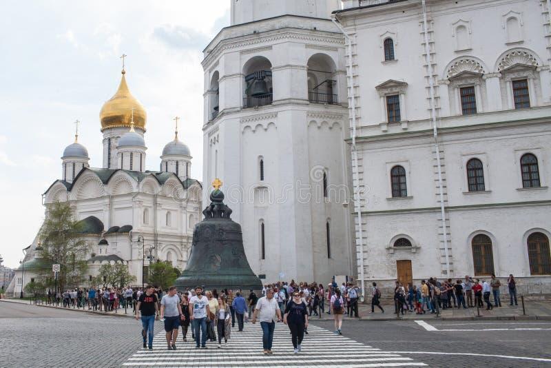 O czar Bell e catedral do arcanjo fotos de stock