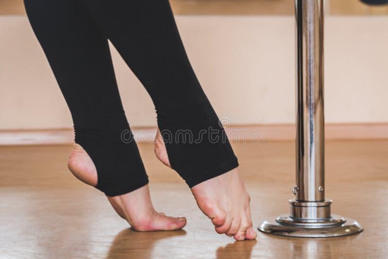 O dançarino de Polo, pés aproxima o pilão imagem de stock royalty free