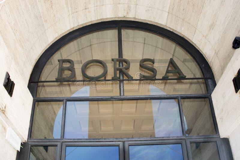 O ` de Borsa do ` do ` em Milão imagens de stock
