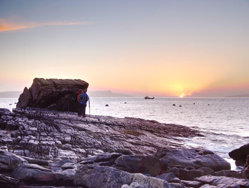 7o de fevereiro de 2017, ilha de Skye, Escócia Oficina fotográfica, ajardinando lições da fotografia imagens de stock