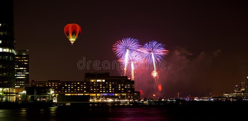 4o de fogos-de-artifício de julho imagens de stock royalty free