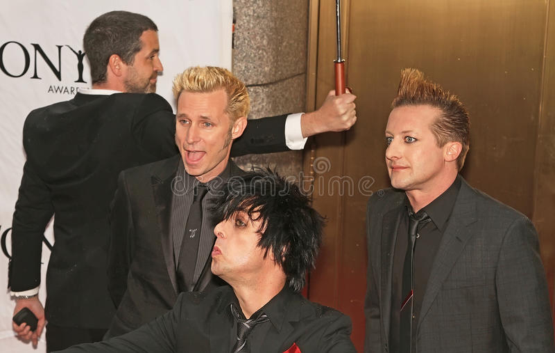 O ` de Green Day do ` chega em 64th Tony Awards anual em 2010 foto de stock royalty free