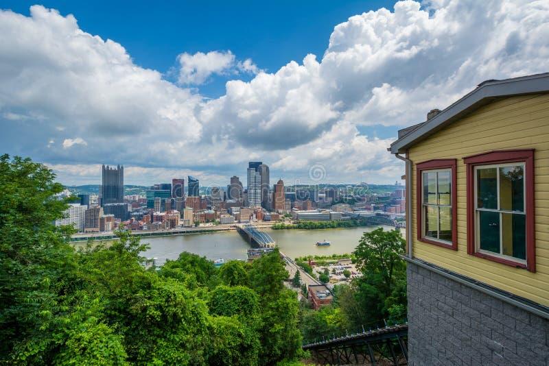O declive de Monongahela e a ideia da skyline da montagem Washington, em Pittsburgh, Pensilv?nia imagem de stock royalty free