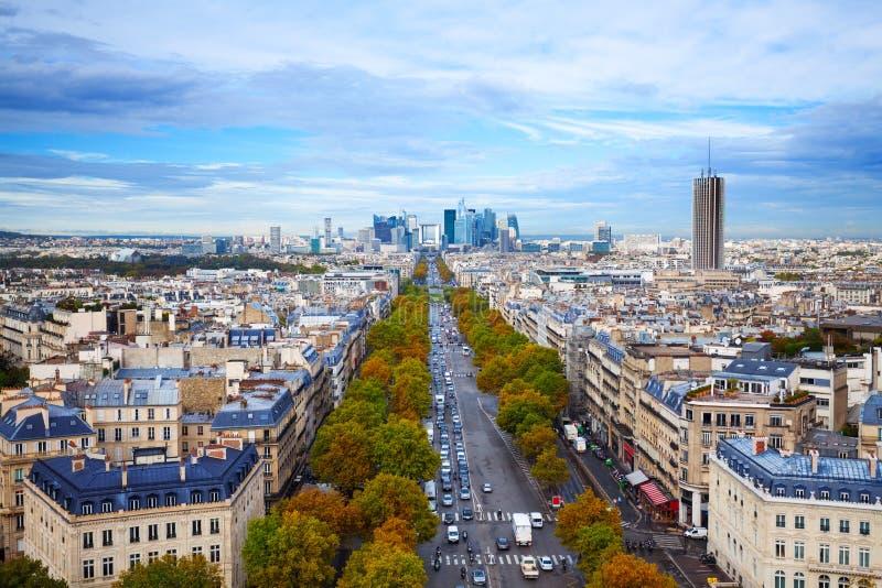 O DES Champs-Elysees da avenida em Paris foto de stock royalty free