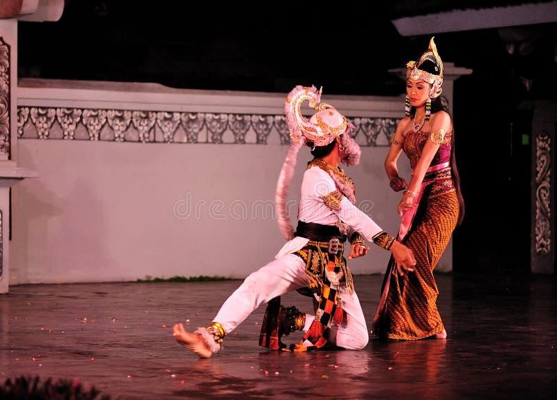 O desempenho da dança de Ramayana imagens de stock