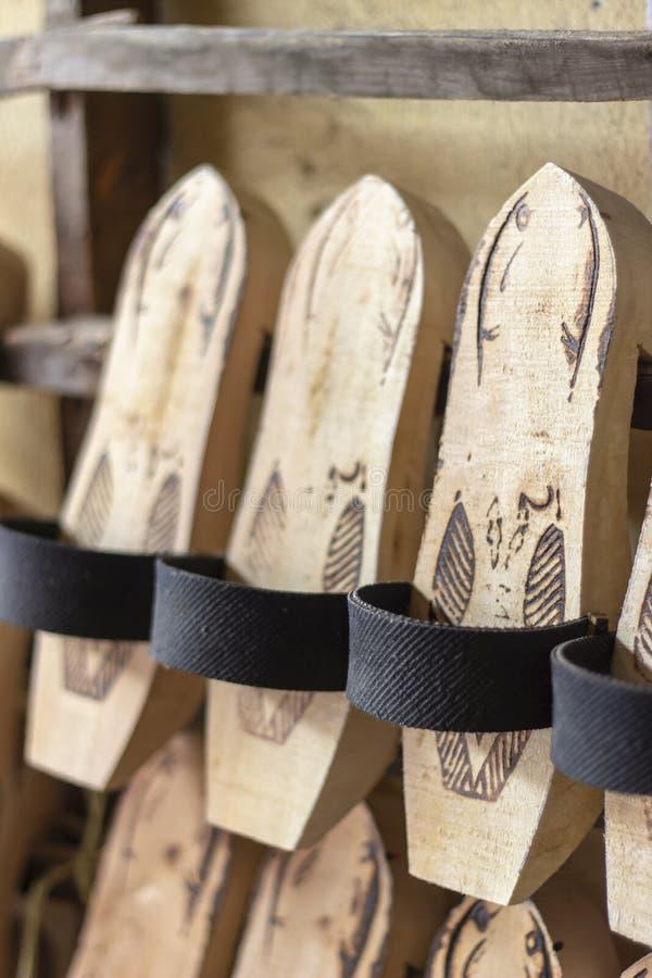 O deslizador de madeira tradicional do close-up vertical da perspectiva disparou em Izmir em Turquia imagem de stock royalty free