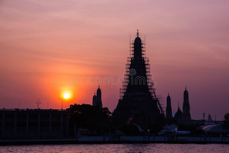 O destino o mais famoso do turista de Tailândia, Wat Arun Temple fotos de stock