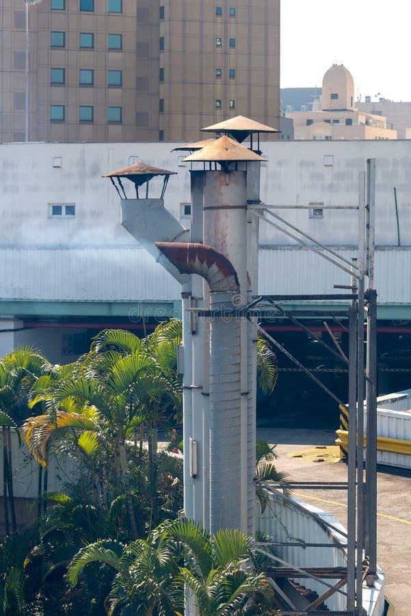 O detalhe de muitos restaurantes superiores do telhado foto de stock